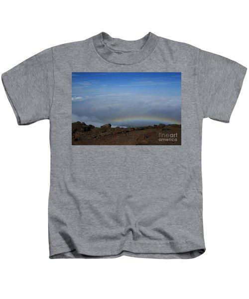Anuenue - Rainbow At The Ahinahina Ahu Haleakala Sunrise Maui Hawaii Kids T-Shirt