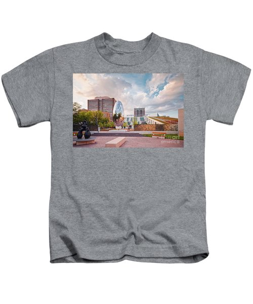 Architectural Photograph Of Anish Kapoor Cloud Column At The Glassell School Of Art - Mfa Houston  Kids T-Shirt