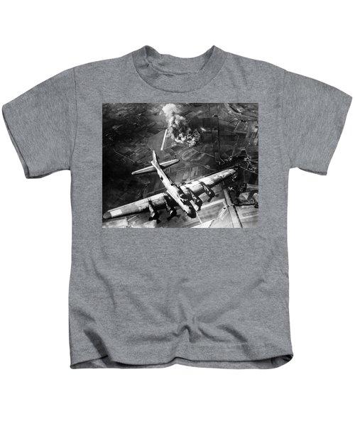 B-17 Bomber Over Germany  Kids T-Shirt
