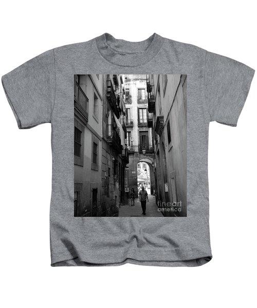 Barcelona Narrow Street Bw Kids T-Shirt