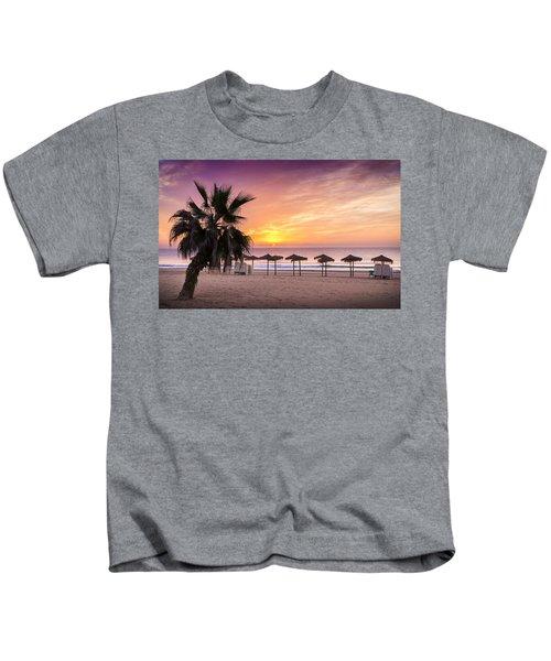 Beach Sunrise. Kids T-Shirt