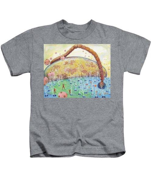 Bee's Eye And Antenna Kids T-Shirt