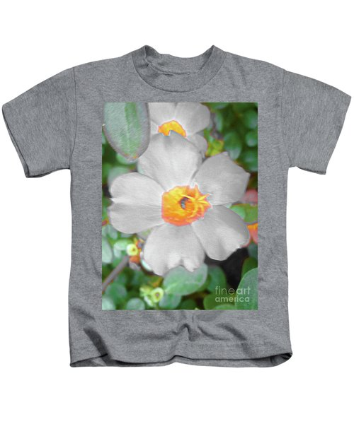 Bright White Vinca With Soft Green Kids T-Shirt