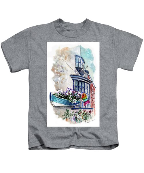 Broadies By The Sea In Staithes Kids T-Shirt