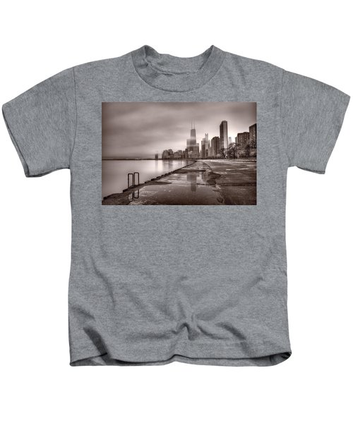 Chicago Foggy Lakefront Bw Kids T-Shirt by Steve Gadomski
