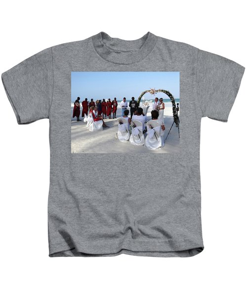 Close Up Kenya Baach Wedding Kids T-Shirt
