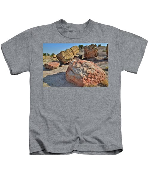 Colorful Boulders In The Bentonite Site On Little Park Road Kids T-Shirt