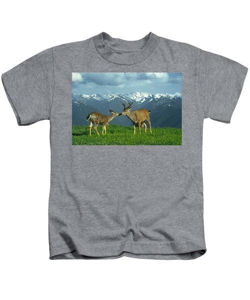 Ma-181-deer In Love  Kids T-Shirt