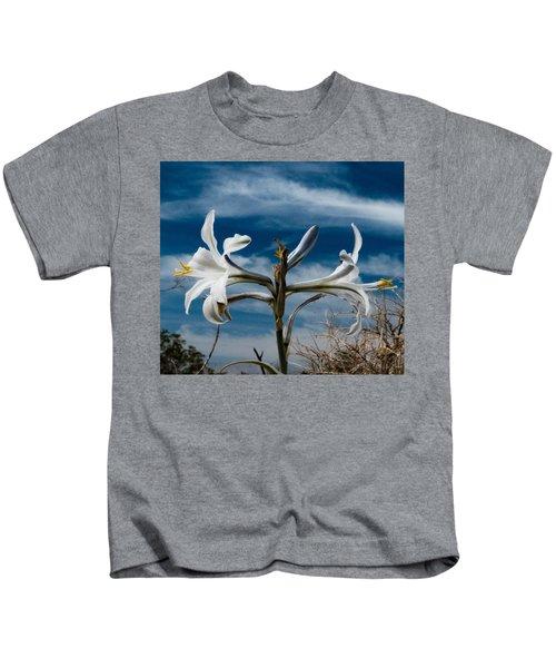 Desert Lilly Close Up Kids T-Shirt
