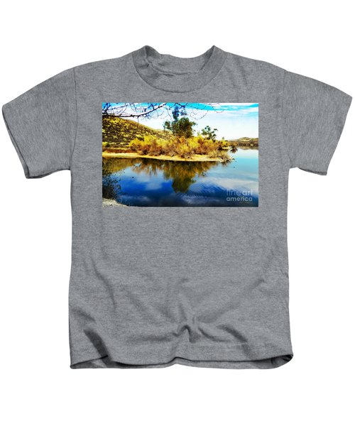 East Bay, Canyon Lake, Ca Kids T-Shirt