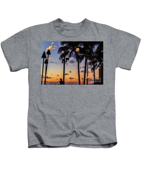 End Of The Beutiful Day.hawaii Kids T-Shirt