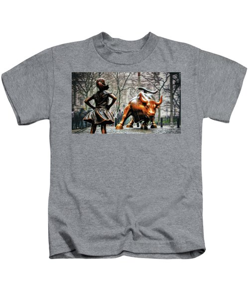 Fearless Girl And Wall Street Bull Statues Kids T-Shirt