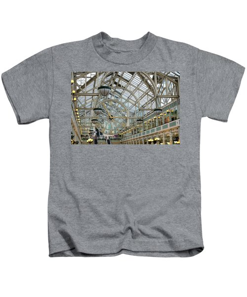 Five To Three - At St. Stephens Green Shopping Centre In Dublin Kids T-Shirt