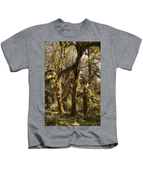 Forest Setting In Hoh Rain Forest Kids T-Shirt