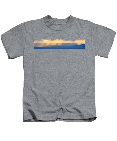God's Rays Over The Great Basin  Kids T-Shirt