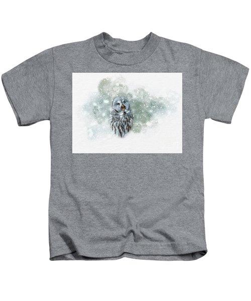 Great Grey Owl In Snowstorm Kids T-Shirt