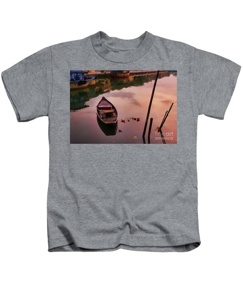 Hoi An Sleeps   Kids T-Shirt