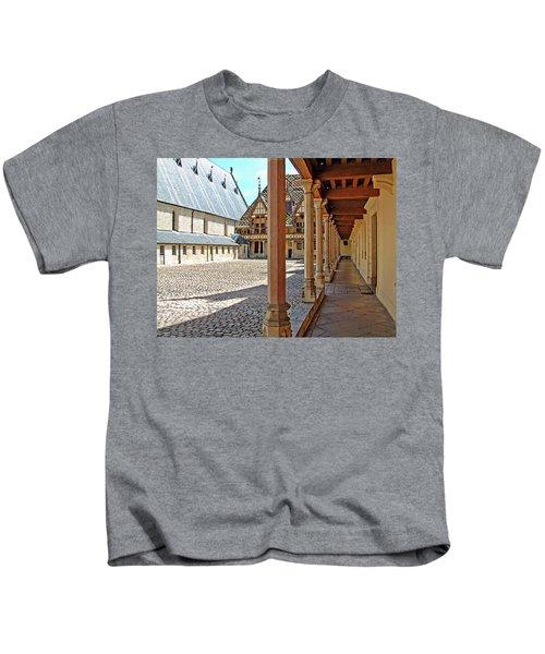 L Hotel-dieu De Beaune Kids T-Shirt