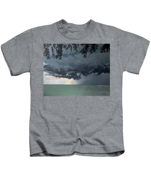 In Coming Storm-epping Forest On The Lake Kids T-Shirt