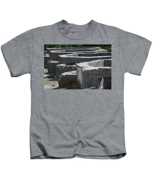 Into The Ruins 3 Kids T-Shirt