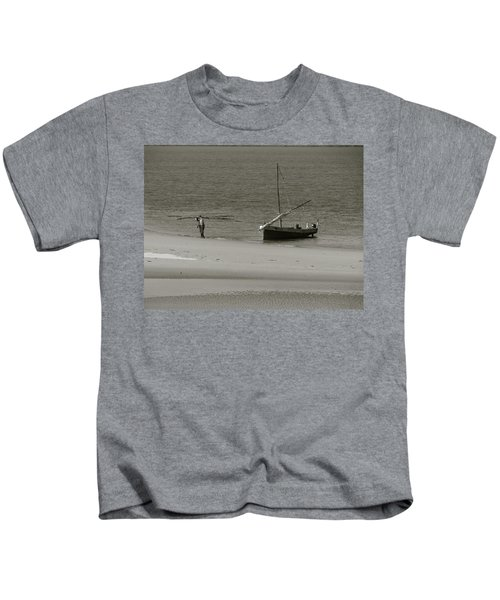 Lamu Island - Wooden Fishing Dhow Getting Unloaded - Black And White Kids T-Shirt