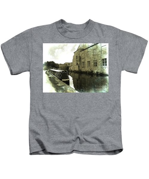 Leeds Liverpool Canal Unchanged For 200 Years Kids T-Shirt