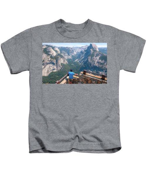 Man In Awe- Kids T-Shirt