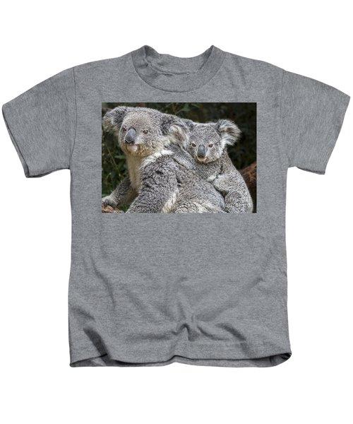 Mommy Hugs Kids T-Shirt by Jamie Pham