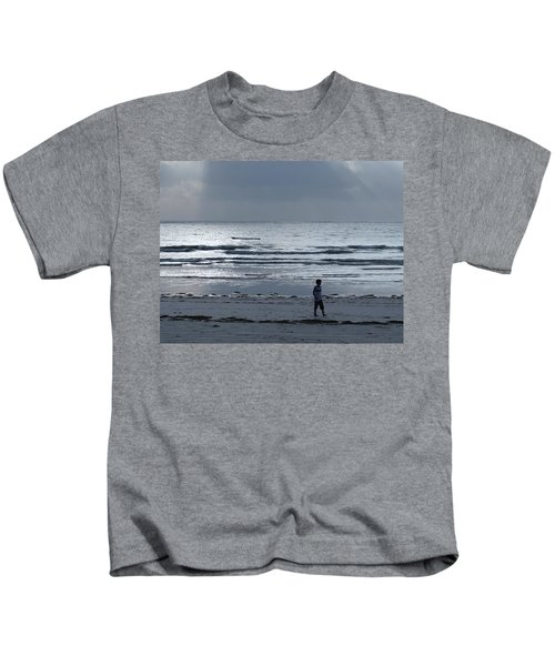 Morning Beach Walk On A Grey Day - Lone Dhow Kids T-Shirt