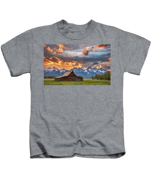 Moulton Barn Sunset Fire Kids T-Shirt