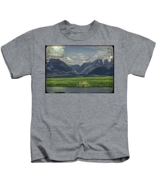 Mountain View Montana.... Kids T-Shirt