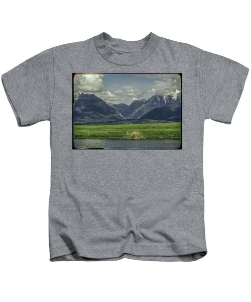 Mountain View Montana.... Kids T-Shirt