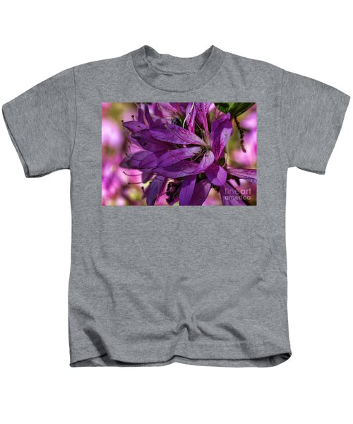 Native Long Petals Kids T-Shirt