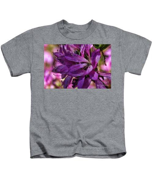 Native Long Petals Kids T-Shirt
