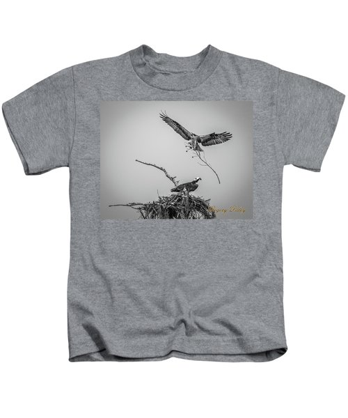Nest Building 2m Kids T-Shirt