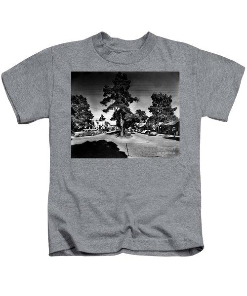 Ocean Avenue At Lincoln St - Carmel-by-the-sea, Ca Cirrca 1941 Kids T-Shirt
