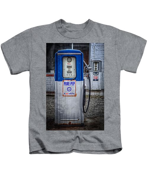 Old And Rusty  Pump  Kids T-Shirt