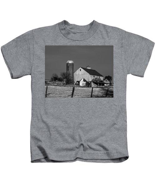 Old Barn 1 Kids T-Shirt