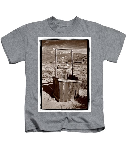 Old Well Bodie Ghost Twon California Kids T-Shirt
