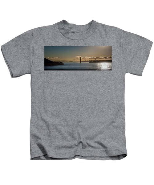 Panoramic View Of Downtown San Francisco Behind The Golden Gate  Kids T-Shirt