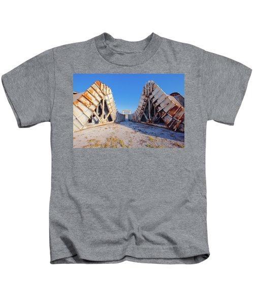 Pedestal Between The Deflectors Kids T-Shirt