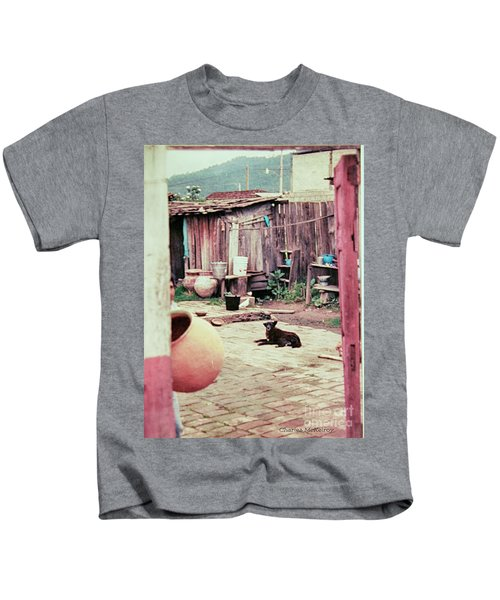 Perro On The Patio Kids T-Shirt