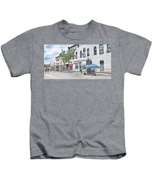 Peter Street Art Corridor Kids T-Shirt