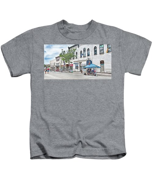 Peter Street Art Corridor Kids T-Shirt