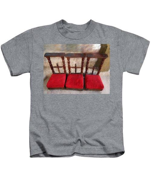 Prie Dieu - Prayer Kneeler Kids T-Shirt