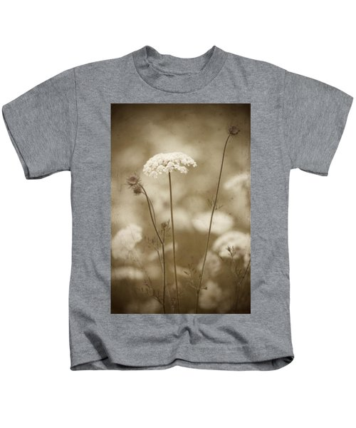Queen Anne Lace Kids T-Shirt