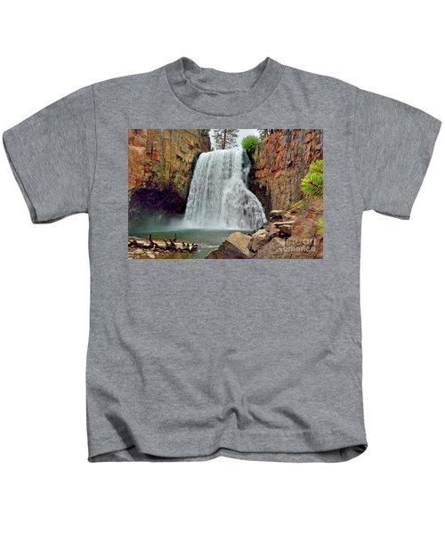 Rainbow Falls 10 Kids T-Shirt