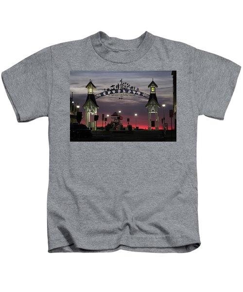 Red Horizon Thru The Boardwalk Arch Kids T-Shirt