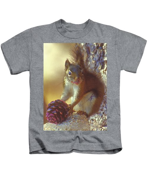 Red Squirrel With Pine Cone Kids T-Shirt