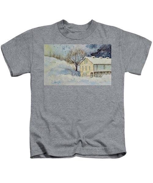 Rockville Farm In Snowstorm Kids T-Shirt